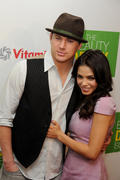 http://img18.imagevenue.com/loc362/th_770159933_Jenna_Dewan_at_Kimberly_Snyder_Book_Launch_Party6_122_362lo.jpg