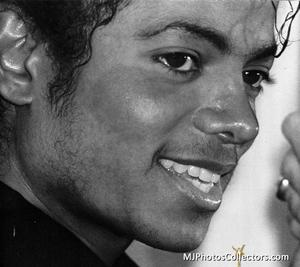 1983 Thriller Certified Platinum Th_947878177_med_gallery_8_119_801639_122_543lo