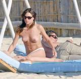 Noelia Monge - Spanish Singer - Topless & Asstatic in H USA Magazine Foto 24 (Ноэлия Лоренсо Монге - испанская певица - Topless & H Asstatic в США журнал Фото 24)