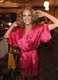 th_97095_fashiongallery_VSShow08_Backstage_AlessandraAmbrosio-69_122_692lo.jpg